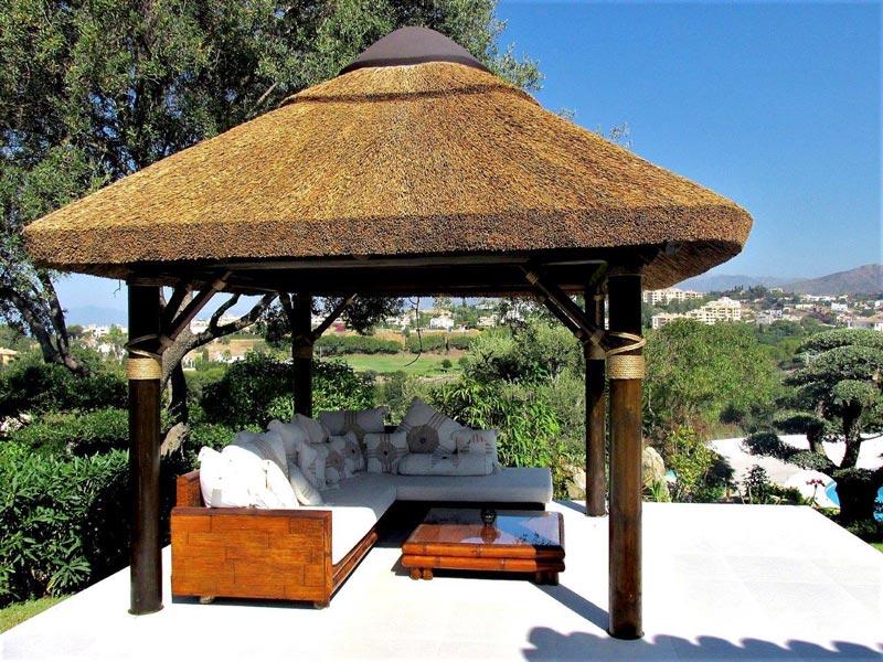 Cape Reed colaboracion Katsura Design vista desde cenador junco africano con jardin zen paisajismo