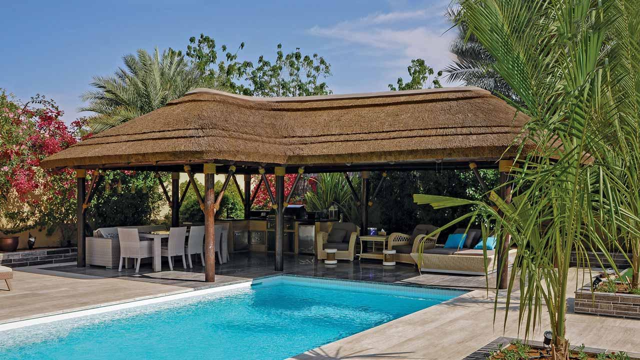 Techo junco africano piscina Arabian Ranches, Dubai