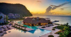 Restaurante con techo sintetico en Cabrits Resort Kempinski Dominica