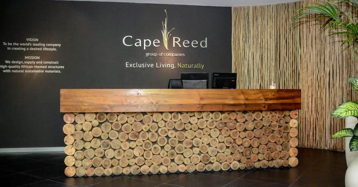 La madera es un hermoso acabado para el hogar o la oficina.