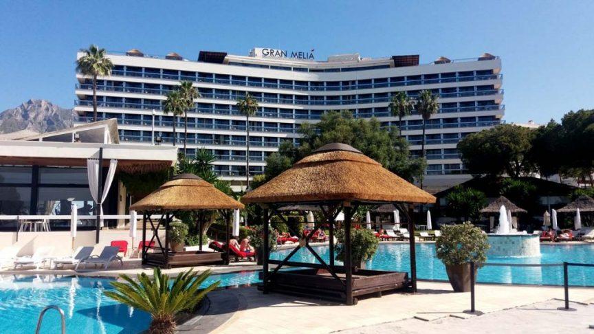 proyectos-comercial-gran-melia-don-pepe-cama-junco-africano-piscina