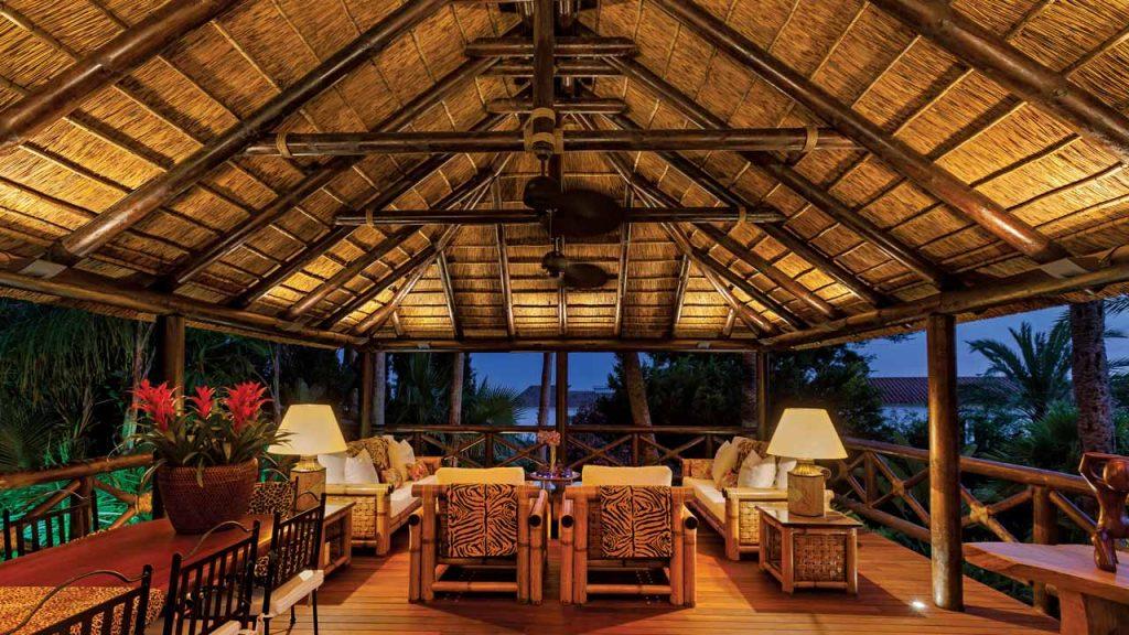 Residencial elevado cenador junco africano pasarela tarima madera barandilla